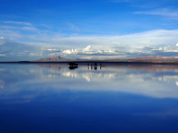 360度鏡張りのウユニ塩湖