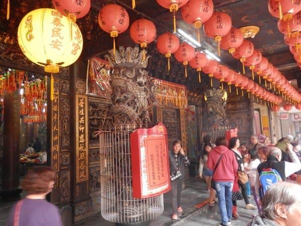 通りにある寺