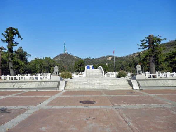 軍人の墓所