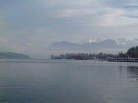 ルツェルナー湖畔(スイス)