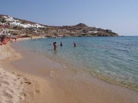 パラダイスビーチ(ギリシャ)
