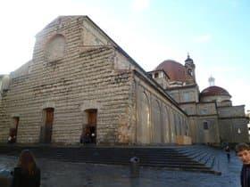 サン・ロレンツォ教会とメディチ家礼拝堂(イタリア)