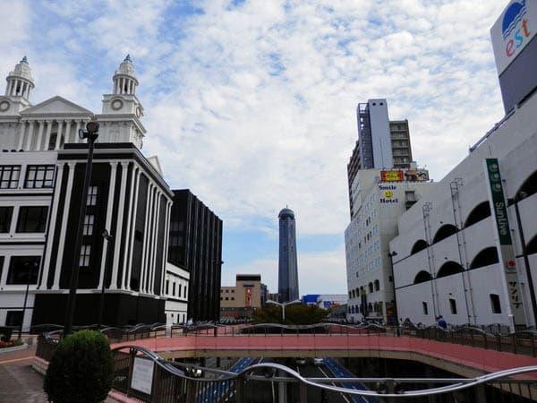 下関駅前のビル群