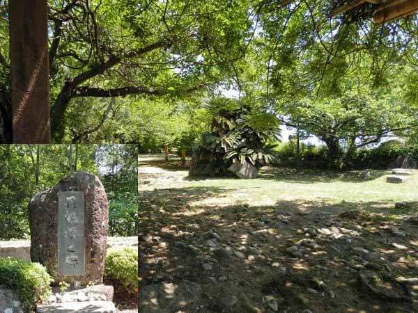 広い場所と丹鶴姫の碑
