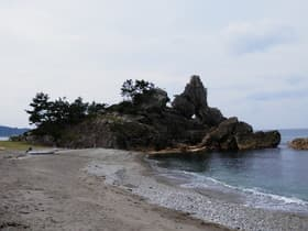 石川県 窓岩